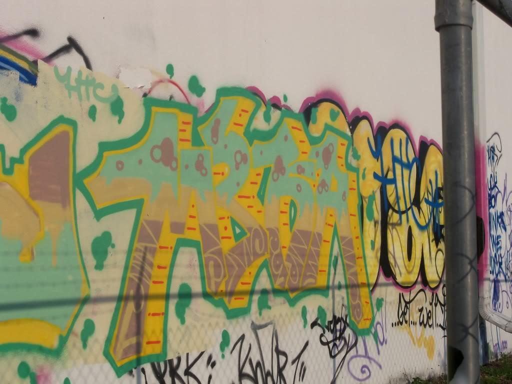 ai1009.photobucket.com_albums_af214_TROUBLE3O5_Graff_camera010.jpg
