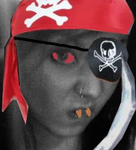 ai223.photobucket.com_albums_dd274_vagrantone0_pirateloki.jpg