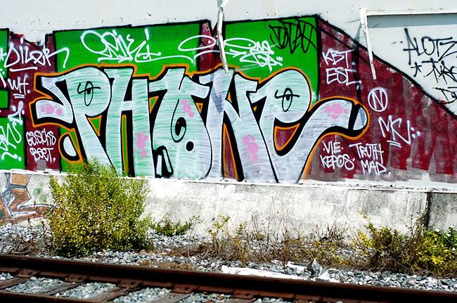 ai2.photobucket.com_albums_y28_lykeomgwtfbbq_phone_glades.jpg