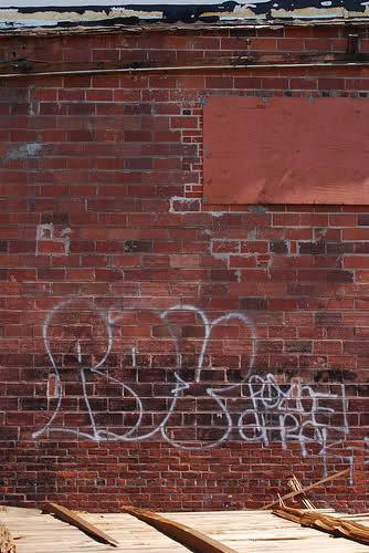 ai48.tinypic.com_dgjf3s.jpg