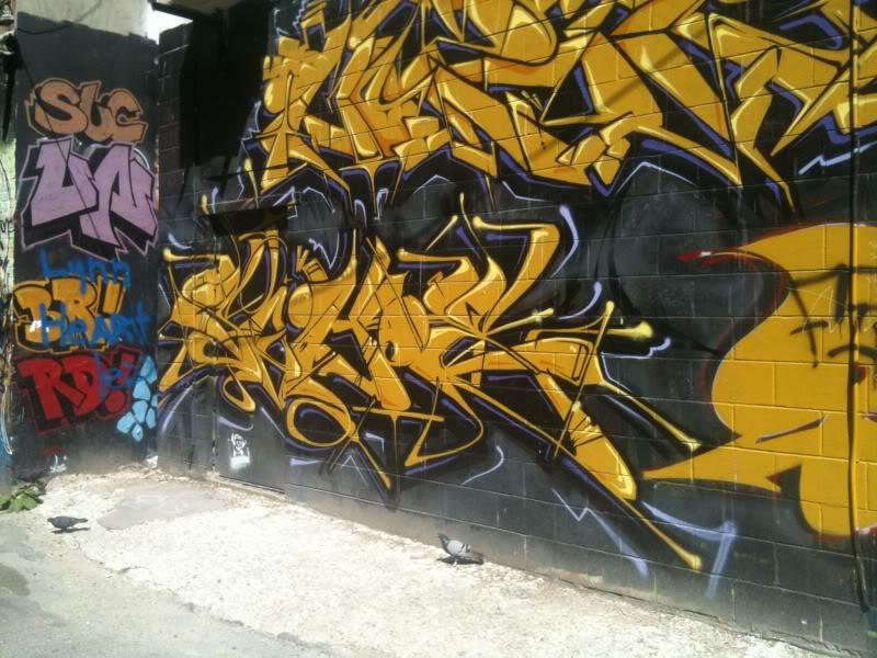 ai122.photobucket.com_albums_o268_scotty2hotty78_toronto_IMG_0345.jpg