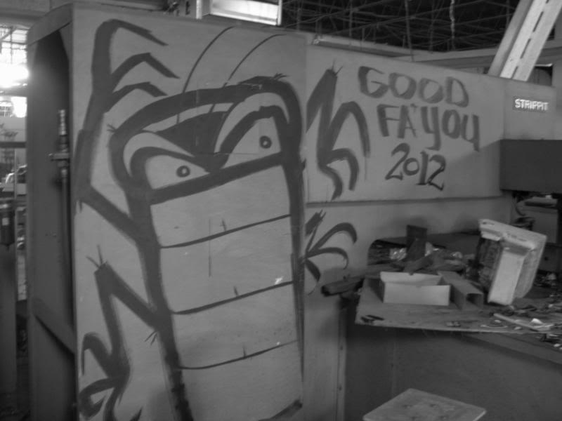 ai946.photobucket.com_albums_ad308_docarazzi_4th_20of_20graffiti_jly021.jpg