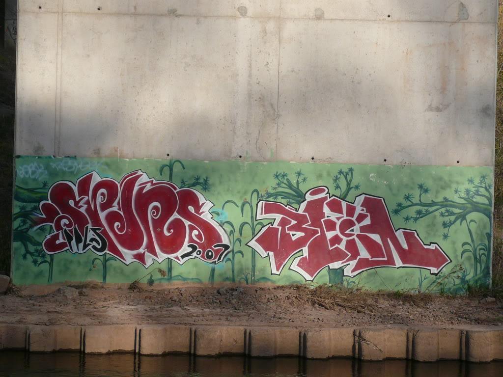 ai826.photobucket.com_albums_zz188_flickinator77_spin_P1100161.jpg