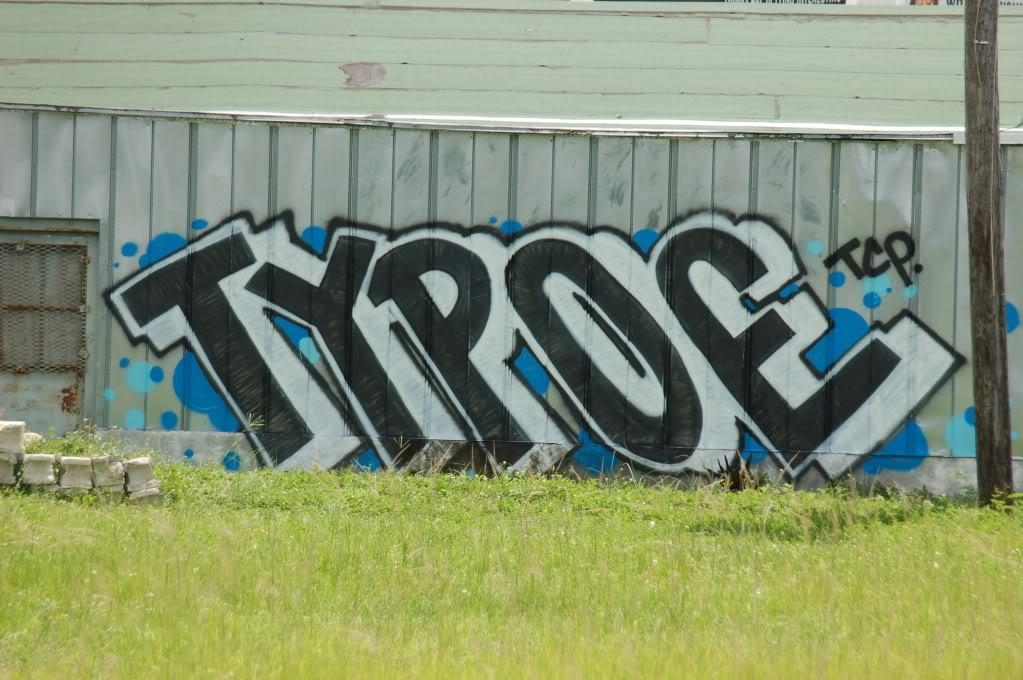 ai1009.photobucket.com_albums_af214_TROUBLE3O5_8_1_10_DSC_0408.jpg