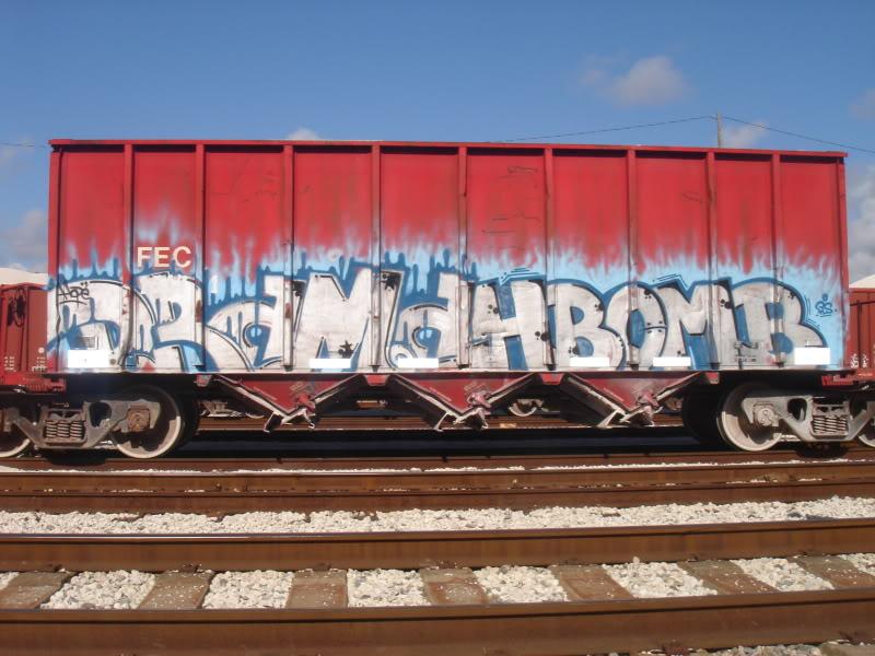 ai16.photobucket.com_albums_b21_muffin16mini_robbie_reefers5_23_10streetwarsprodomycamera049.jpg