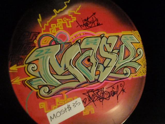 ai835.photobucket.com_albums_zz276_headzupfanzine_P9110019.jpg