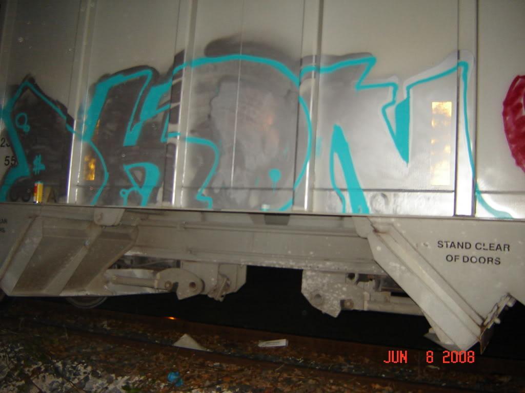 ai268.photobucket.com_albums_jj1_NAUKgRRRR_LOuii001.jpg