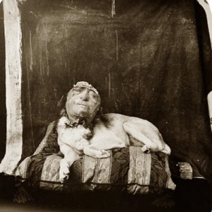Dog+On+A+Pillow+(1994)++Joel-Peter+Witkin