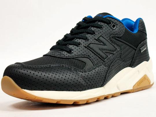 awww.formatmag.com_wp_content_uploads_2011_01_new_balance_mt580_gore_tex_sneakers_4.jpg