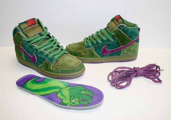 nike-sb-dunk-high-skunks-release-info-03.jpg