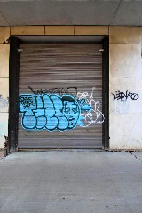 ai731.photobucket.com_albums_ww317_Sleazytezey_25ezmtz.jpg