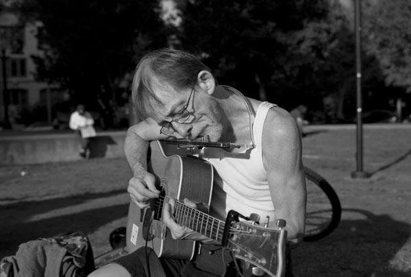 Guitar man small.jpg