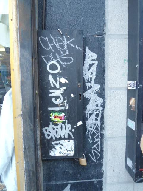 ai1256.photobucket.com_albums_ii491_boitbombbaise_DSC00199.jpg