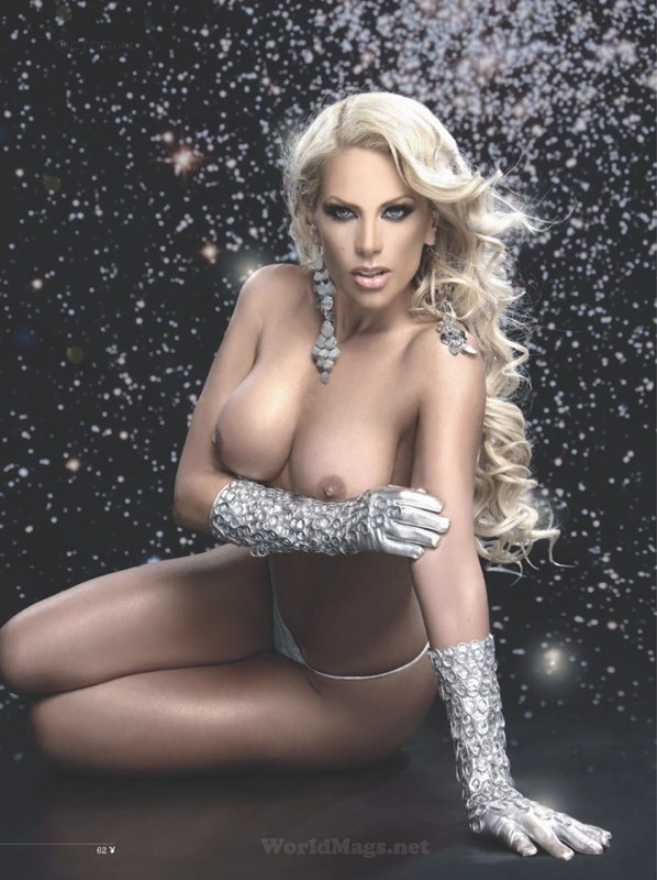 Lorena_Herrera_Playboy_Czech_Republic-5.jpg