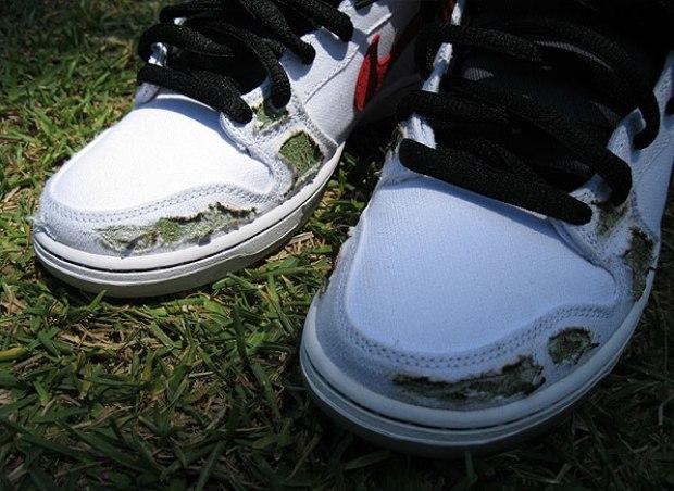 awww.nikeblog.com_wp_content_uploads_2011_05_Nike_SB_Dunk_High_Cheech_and_Chong_3.jpg