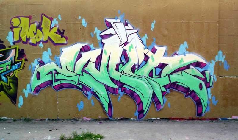 4s7GQ_Wall2006_16_Emit