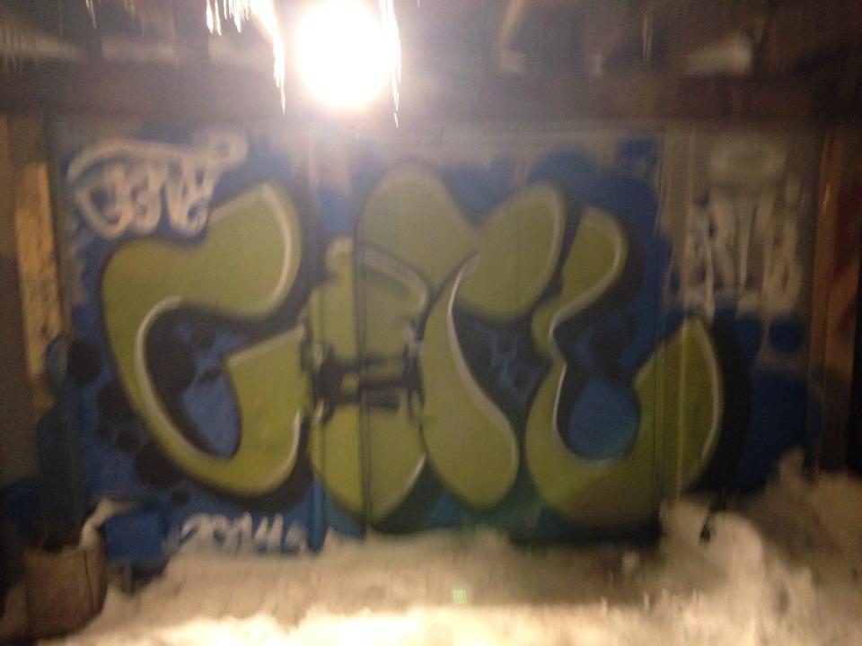 distortion alley piece fuzzy front on.jpg