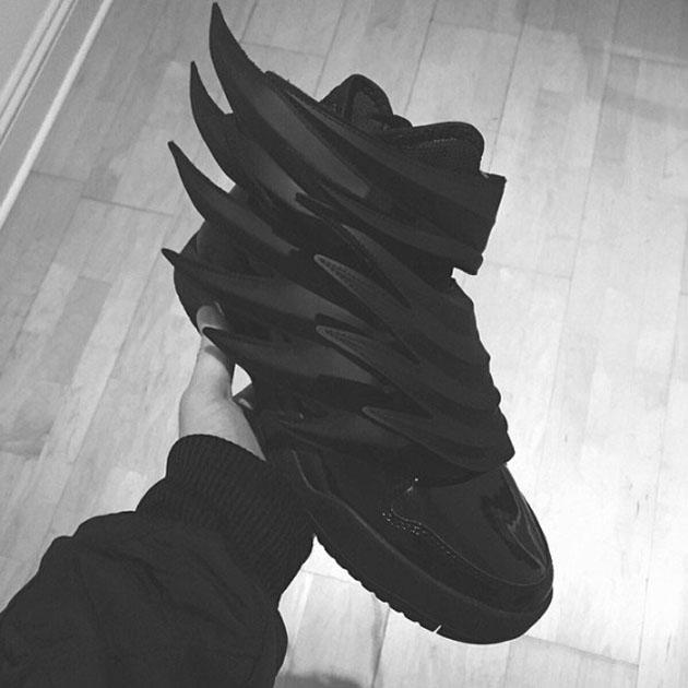 jeremy-scott-adidas-dark-knight-03-570x570.jpg