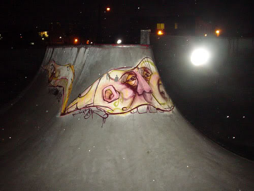 img64.photobucket.com_albums_v194_bowzr_graffiti_5.jpg