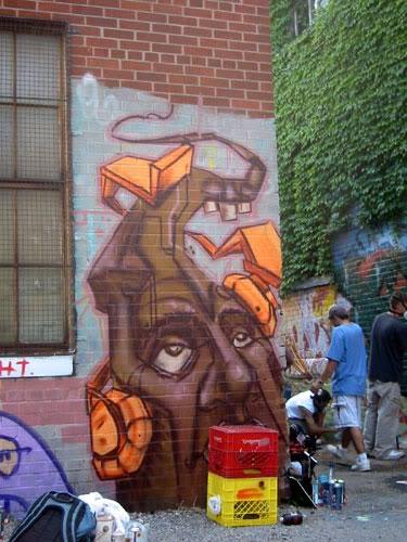 img64.photobucket.com_albums_v194_bowzr_graffiti_22.jpg