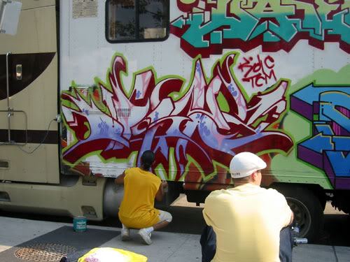 img64.photobucket.com_albums_v194_bowzr_graffiti_a.jpg