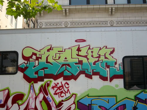 img64.photobucket.com_albums_v194_bowzr_graffiti_c.jpg
