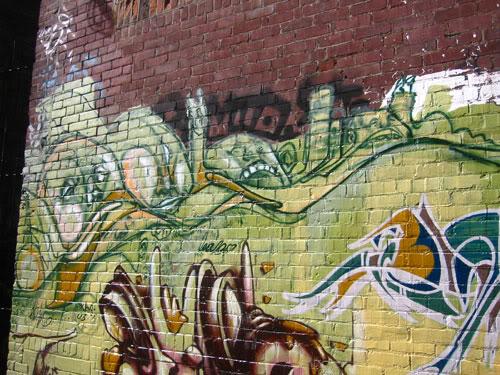 img64.photobucket.com_albums_v194_bowzr_graffiti_e.jpg