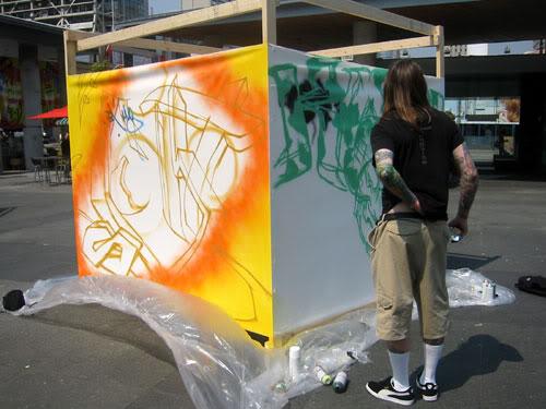img64.photobucket.com_albums_v194_bowzr_graffiti_j.jpg