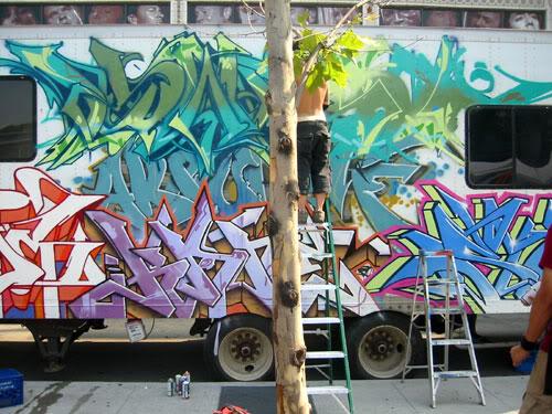img64.photobucket.com_albums_v194_bowzr_graffiti_o.jpg