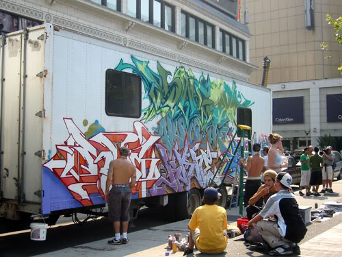 img64.photobucket.com_albums_v194_bowzr_graffiti_p.jpg