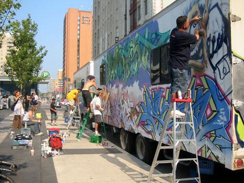 img64.photobucket.com_albums_v194_bowzr_graffiti_r.jpg