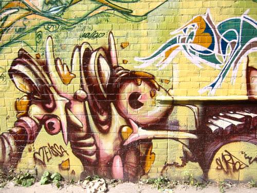 img64.photobucket.com_albums_v194_bowzr_graffiti_sip_IMG_1744.jpg