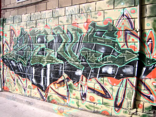 img64.photobucket.com_albums_v194_bowzr_graffiti_sip_IMG_1742.jpg