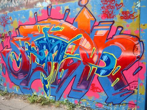 img64.photobucket.com_albums_v194_bowzr_graffiti_sip_IMG_1747.jpg