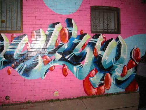 img64.photobucket.com_albums_v194_bowzr_graffiti_torontoi_106_0651_IMG.jpg