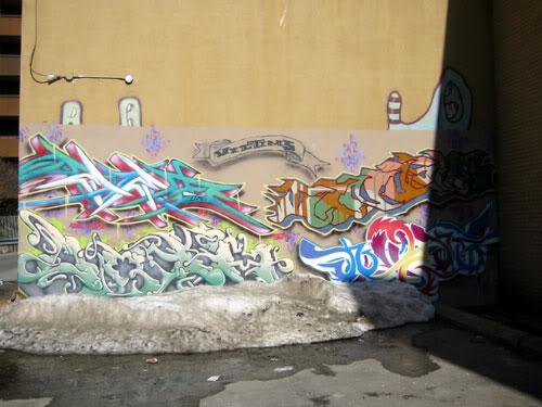 img64.photobucket.com_albums_v194_bowzr_graffiti_torontoi_100_0047_IMG.jpg