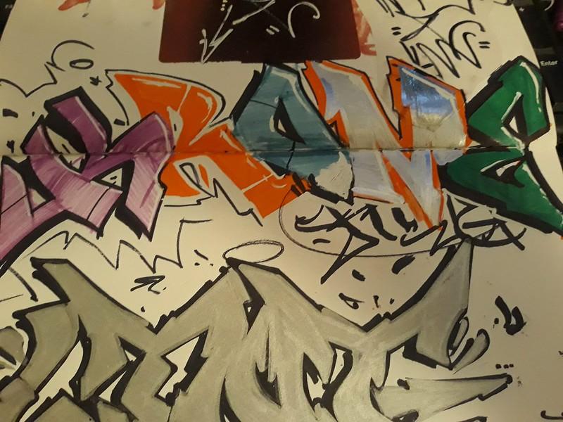 alive.staticflickr.com_65535_50561813242_ed08ab948e_c.jpg